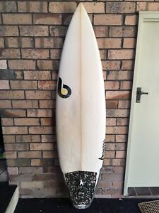 Bourton Shapes surfboard 6'0