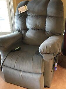 BRAND NEW Power Lift Recliner Chair