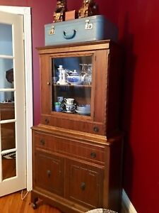 Dining hutch cabinet
