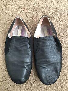 Excellent condition Bloch size 1 1/2 black jazz shoes Hurstville Grove Kogarah Area Preview