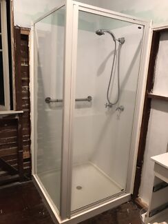 Englefield corner shower screen, acrylic shower tray