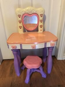 Girls vanity set - table and stool