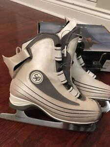 Girls ice skates Size 6