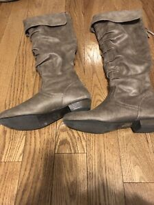 Fergalicious ladies boots size 7.5. New condition