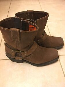 Ladies size 7 Harley Davidson boots