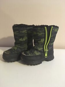 Toddler Size 9 boots Free