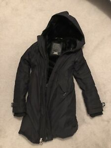 Aritzia winter jacket - XS