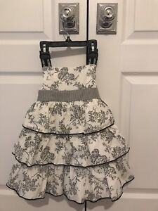 2 Girl's  Dress's- perfect for twins!