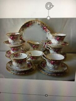 Royal Albert Autumn Roses Tea Set