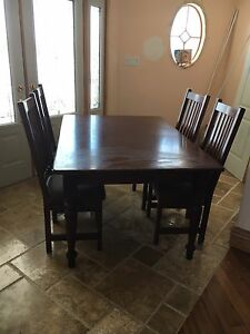 Kitchen table and 4 chairs  Cambridge Kitchener Area image 1