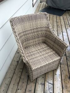 5 Wicker Chairs