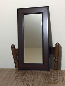 Mirror in new like condition