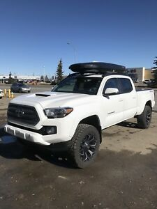 "2017 Tacoma TRD Sport 4x4 - factory lift, 33"" tires"