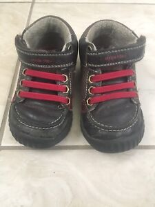 Leather Stride Rite shoes