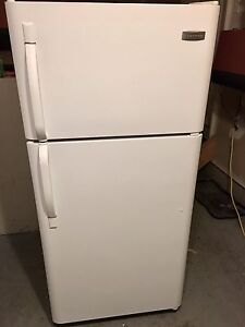 Frigidaire fridge 9/10