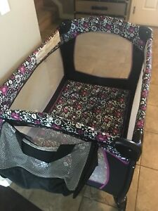 Like new evenflo playpen deluxe different stages playard