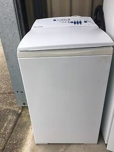 Washing machine Tuncurry Great Lakes Area Preview