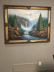 Hone decor- paintings, pictures, vase
