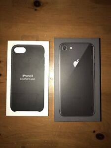 IPhone 8 64GB - Space grey + black leather case Apple