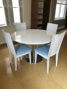 Tulip breakfast Table and 4 Solid Wood Chairs