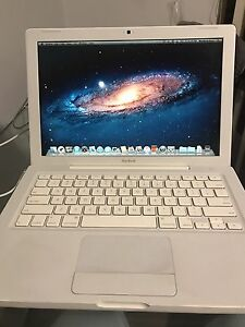 Apple MacBook A1181 Core 2 Duo 2.4GHz / 160GB Silverwater Auburn Area Preview