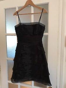 Super belle robe noire!