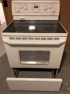 Whirlpool stove great condition for sale