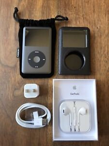 Like New 7th Gen iPod Classic 160GB + New Accessories***Read***