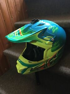 Large fry racing helmet 120 obo
