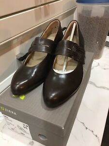 Leather shoes size  6.5 new in box
