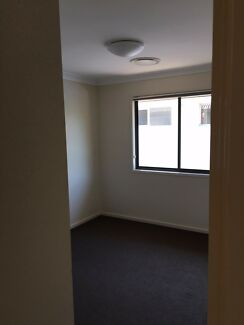 Furnished room gay friendly enoggera
