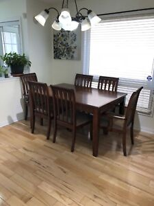 Dinning Table and Hutch buffet