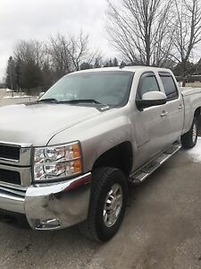 2008 2500 Chevrolet Silverado LTZ leather.