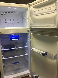 Whirlpool 420L fridge freezer Lansvale Liverpool Area Preview