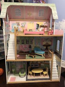Doll play house
