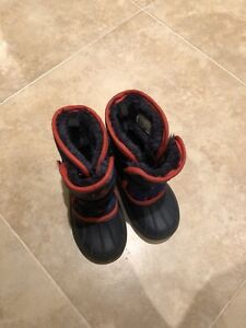 Boys Toddlers Snow Boots - like new