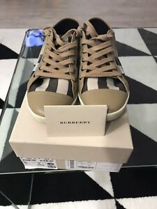 Burberry shoes size 8