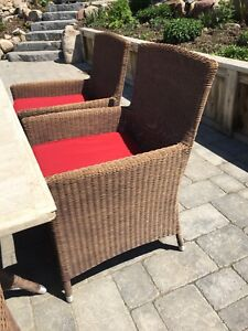 Outdoor table and six chair