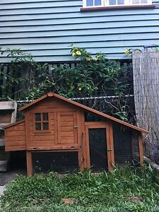 Chicken coupe/guinea pig hutch Lutwyche Brisbane North East Preview