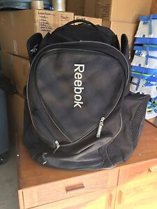 Reebok hockey bag with wheels