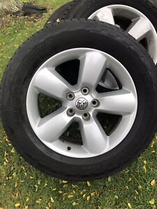 2017 Dodge Ram 1500 alloy 20 inch rims with brand new tires
