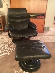 Black Leather Lounger Recliner with Ottoman