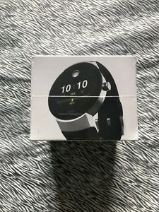 SELLING A BRAND NEW MOVADO SMART WATCH