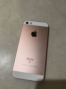 Iphone SE 64gb rogers rose gold