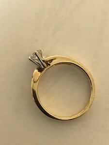 18 k gold diamond engagement ring size7