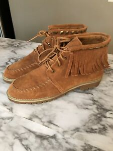 Women's size 8 Fall Boots with fringes