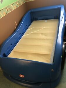Little Tikes Race Car Bed | Kijiji in Ontario. - Buy, Sell ...