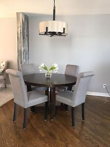 Round Table + 4 Grey Chairs