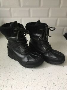Youth Ugg Butte Boots size 2