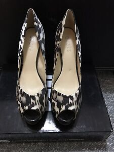 Guess Pump High Heels Size 9m West Tamworth Tamworth City Preview